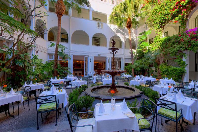 رستوران هارویز در وینچستر مانسیونز