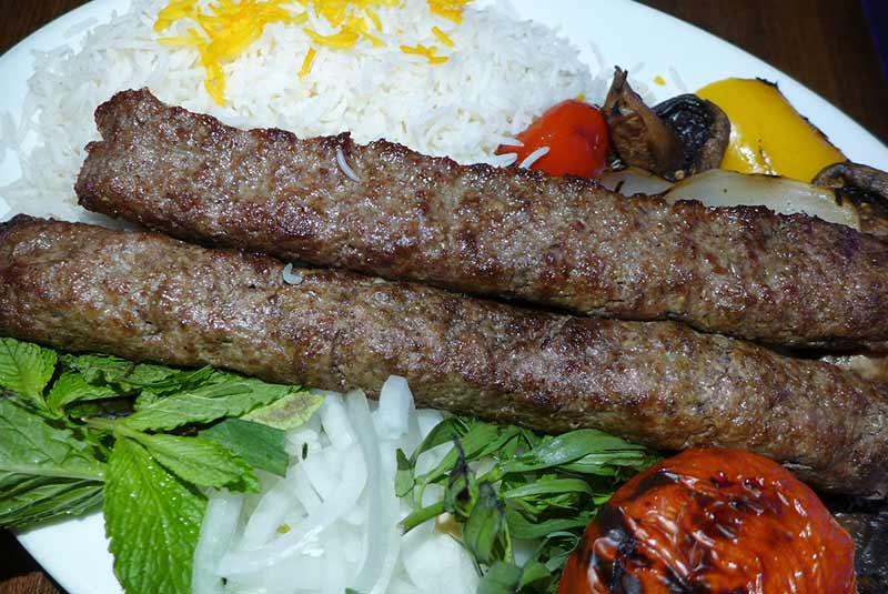 کباب در رستوران شه الهام - پاریس