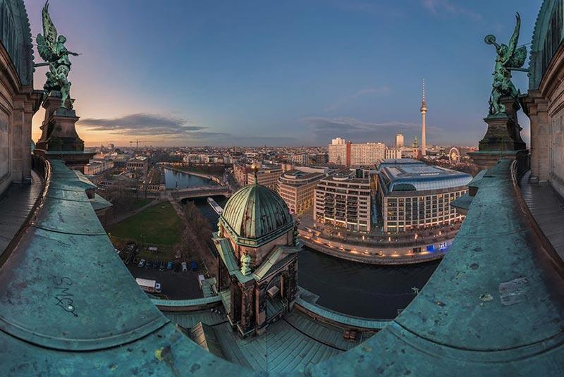 پشت بام کلیسای جامع برلین