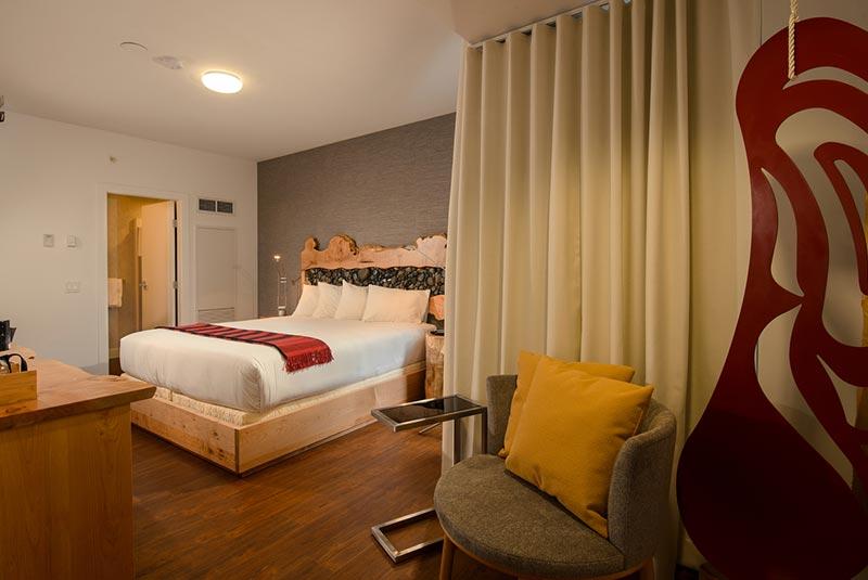 اسکواچی لوج - هتل ونکوور