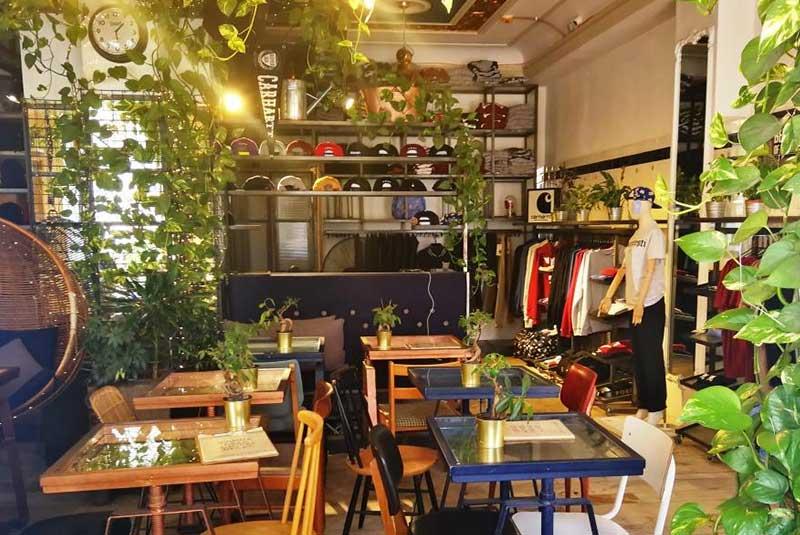 اربانیست - کافه های بخارست