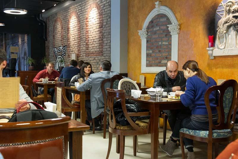 رستوران پیزریا ناپولی - کیف