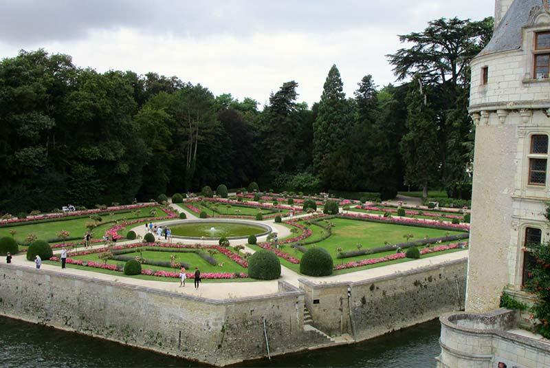 باغ های اطراف قلعه شنونسو - فرانسه