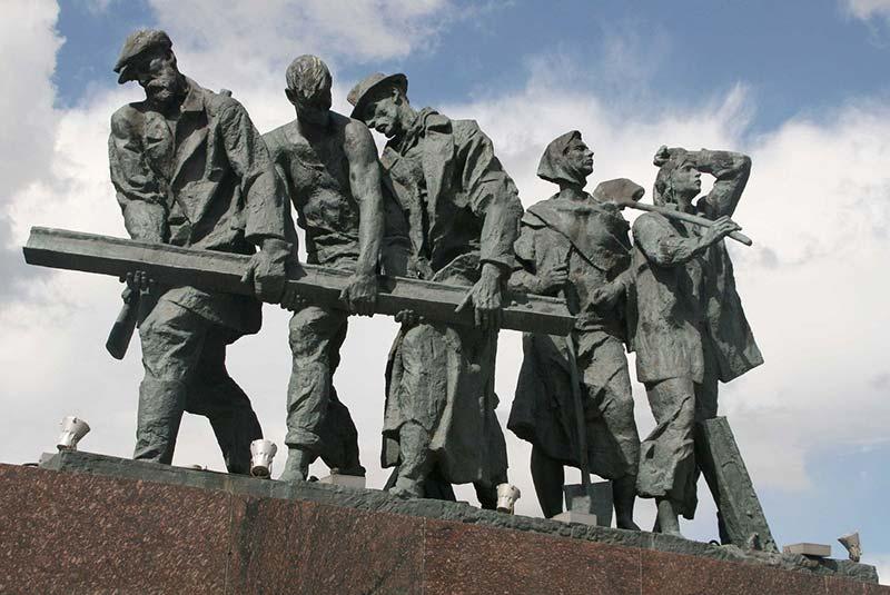میدان پیروزی سن پترزبورگ