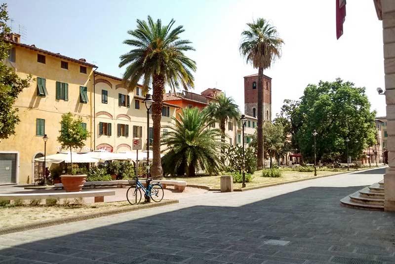 میدان دانته - پیزا