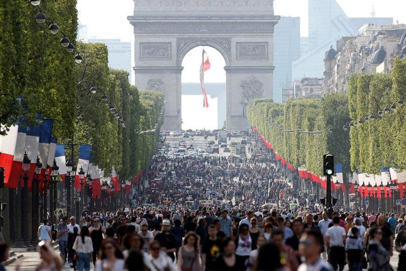خیابان شانزلیزه – منطقه هشتم پاریس
