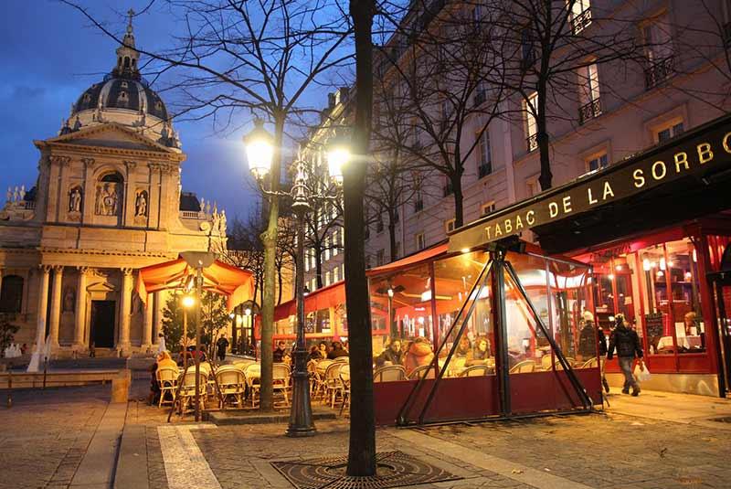 محله لاتین پاریس در شب