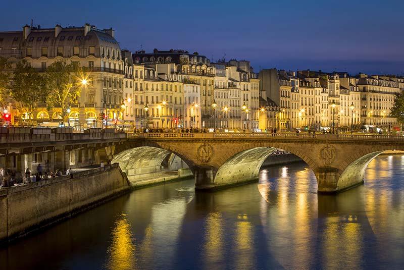 زندگی شبانه پاریس