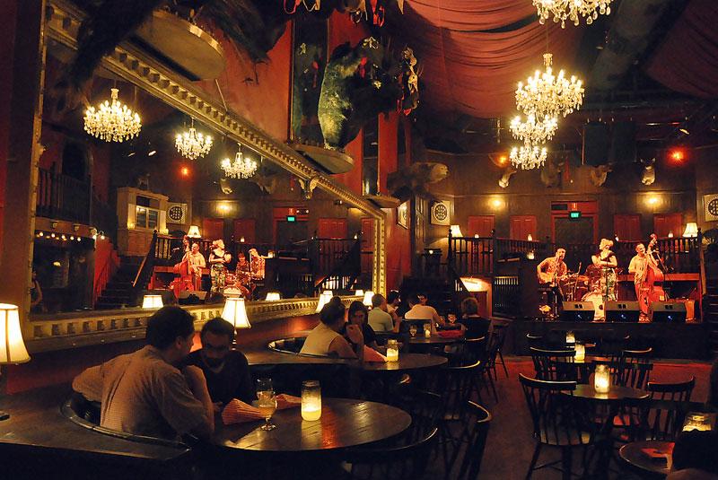 رستوران لانگ تایم