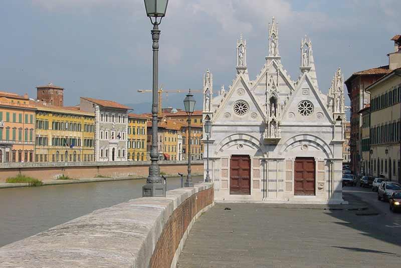 کلیسای سانتا ماریا دلا اسپینا - پیزا