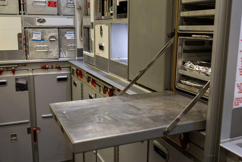 آماده سازی غذای هواپیما