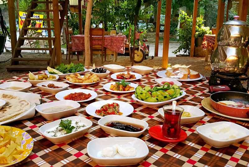 صبحانه در آنتالیا