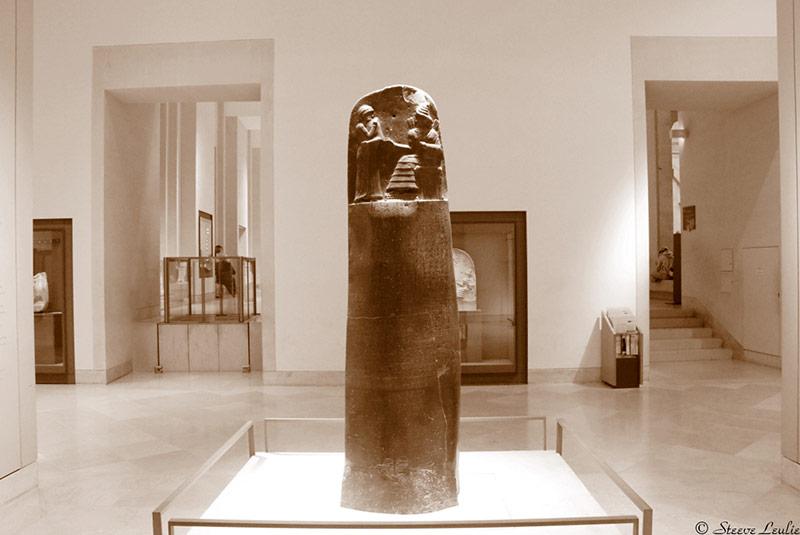 ستون حمورابی در موزه لوور