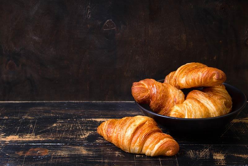 کروسان - شیرینی های پاریسی