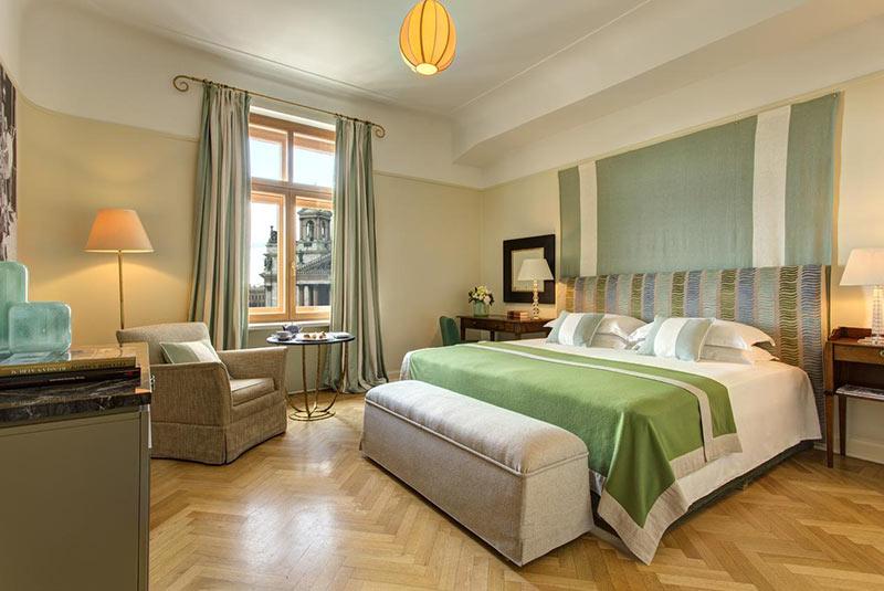 هتل روکو فورته آستوریا - سن پترزبورگ