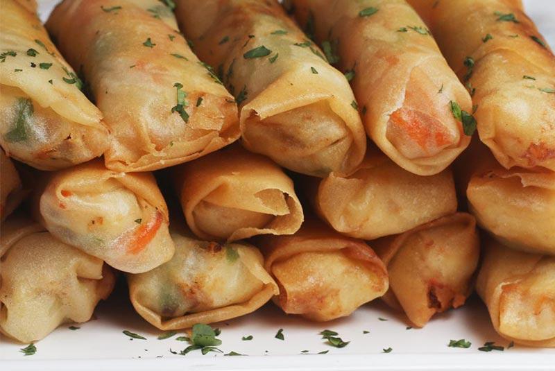 لومپیا سرخ شده - غذای فیلیپینی