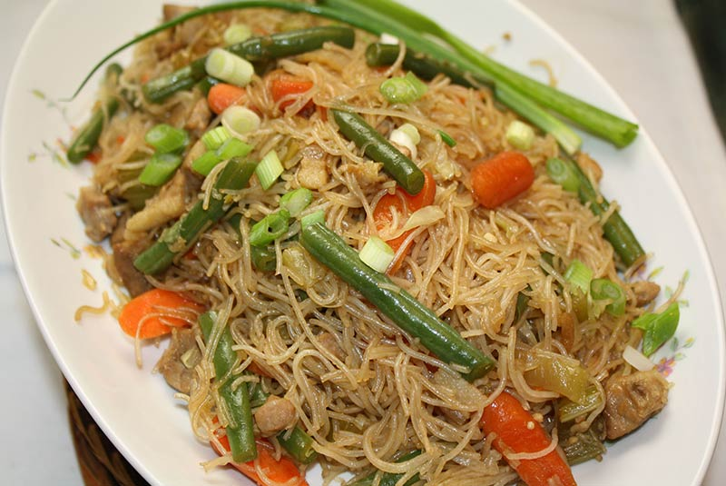 پنسیت گیسادو - غذای فیلیپینی