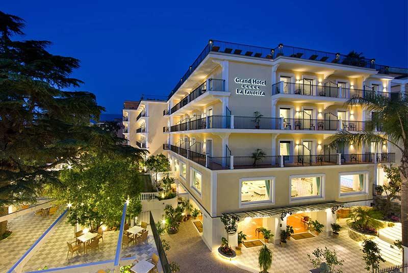 گراند هتل لا فاووریتا - سورنتو