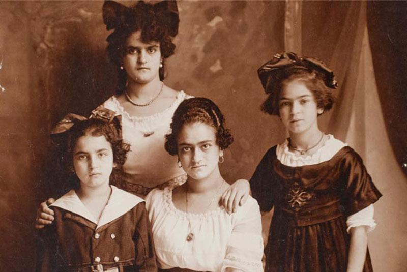 فریدا کالو و خانوادهاش