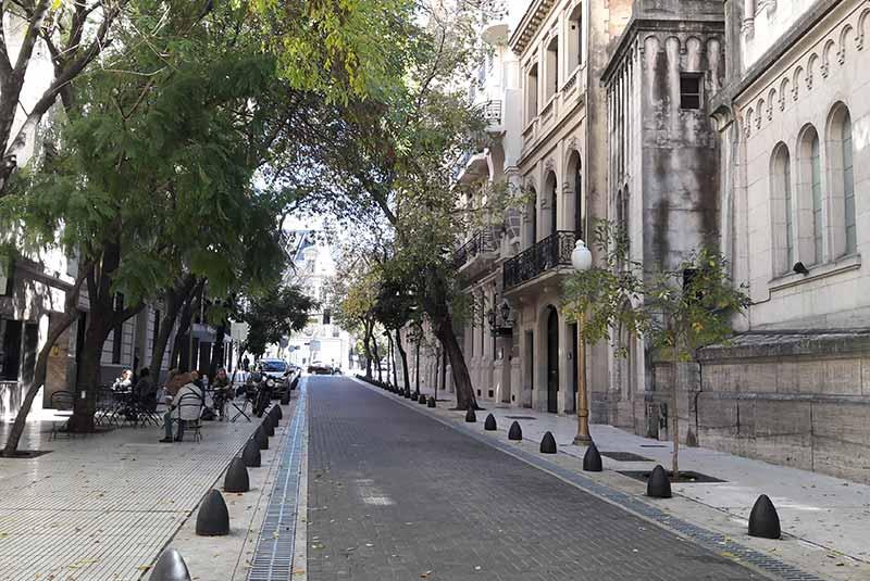 خیابان آرویو - بوینس آیرس