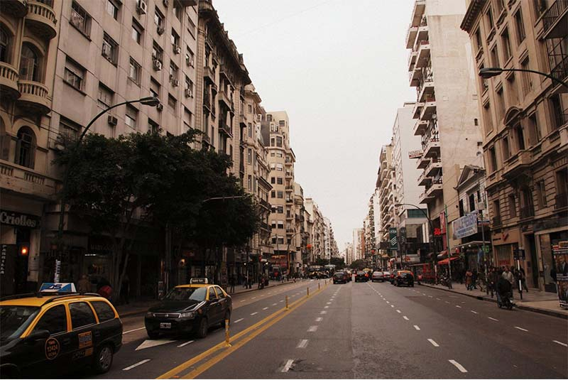 خیابان سانتافه - بوینس آیرس