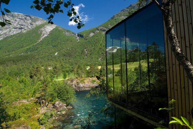 یخچالهای طبیعی نروژ – فیلم اکس ماکینا (۲۰۱۴)
