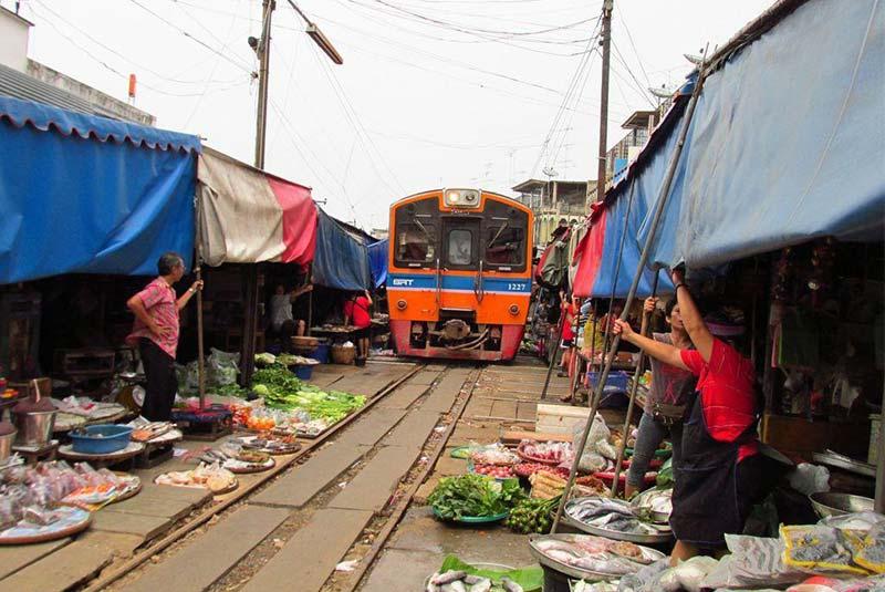 بازار ریلی ماکلونگ - بانکوک