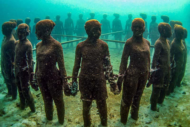 مجسمه های مولینر در زیر آب