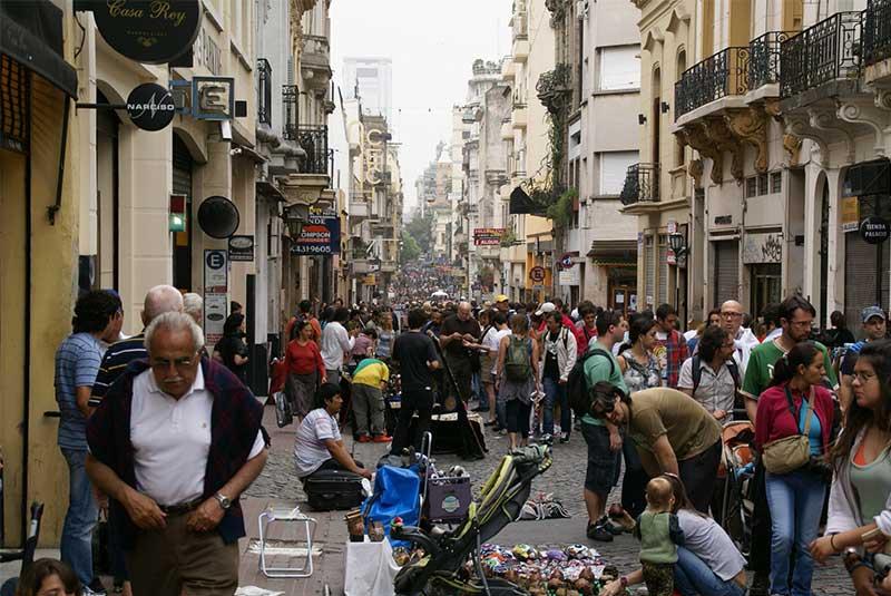 خیابان دفنسا - بوینس آیرس
