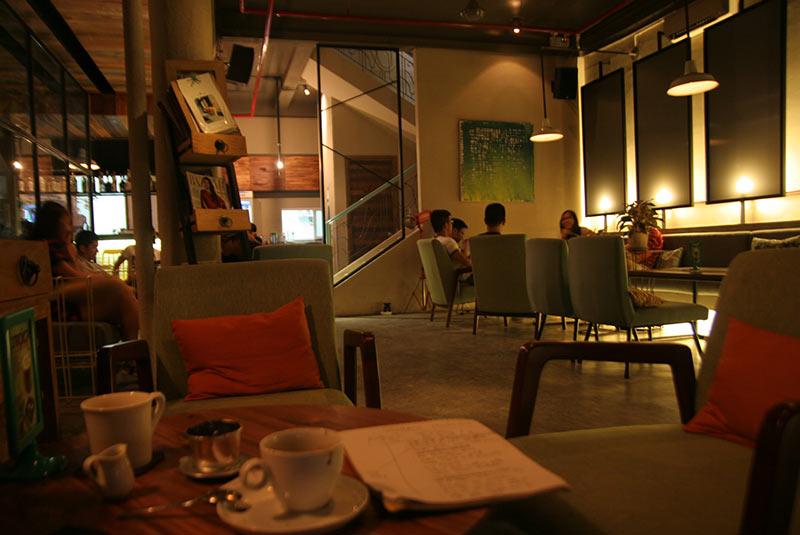 آی. دی کافه - هوشی مین