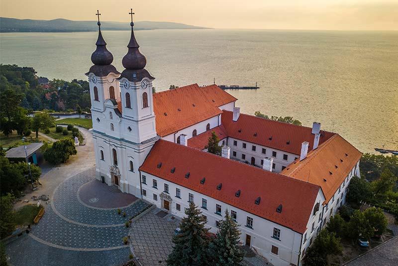 روستای تیهانی - مجارستان