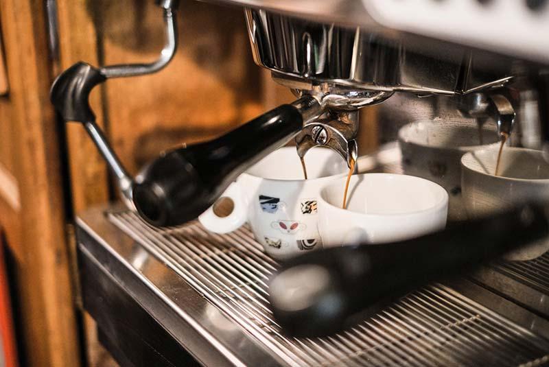 کافه پیولا