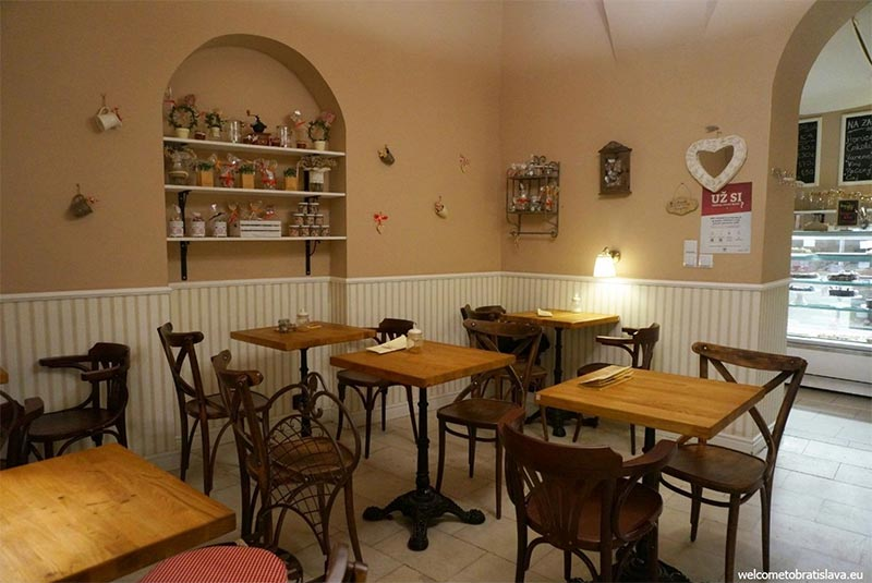 کافه زپلین - براتیسلاوا