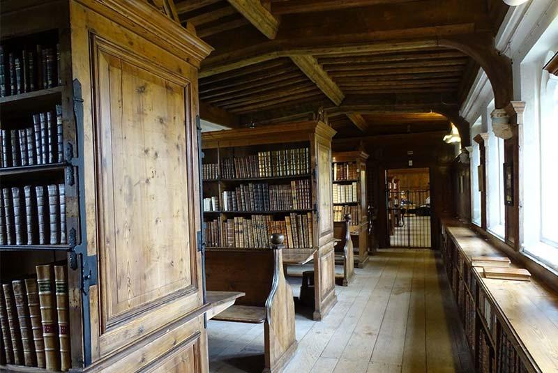 کتابخانه کلیسای جامع ولز