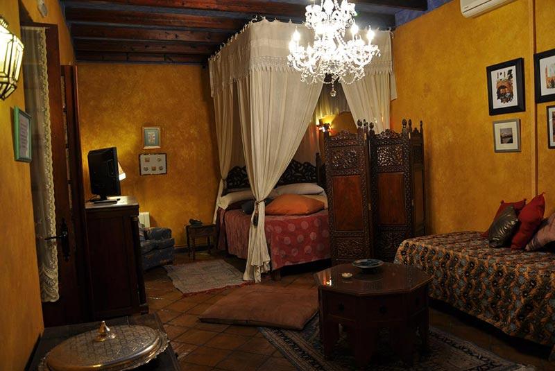 هتل اوستریا لینروس - کوردوبا