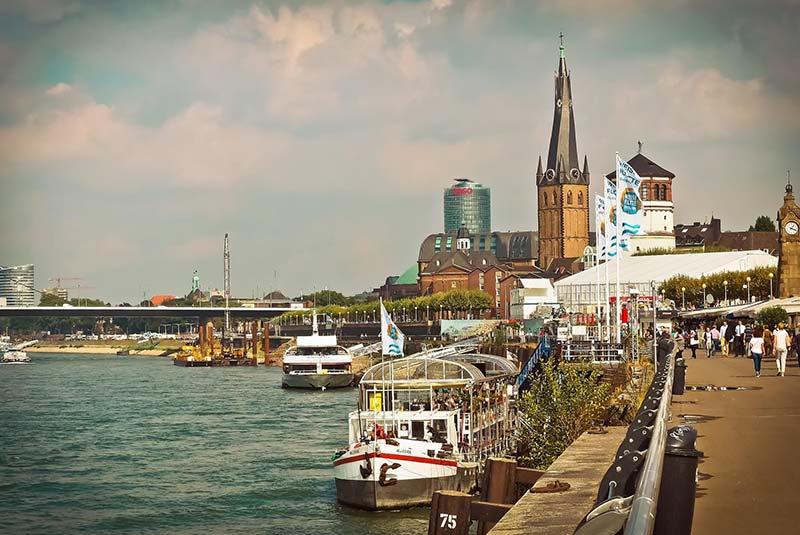 سفر انفرادی به دوسلدورف