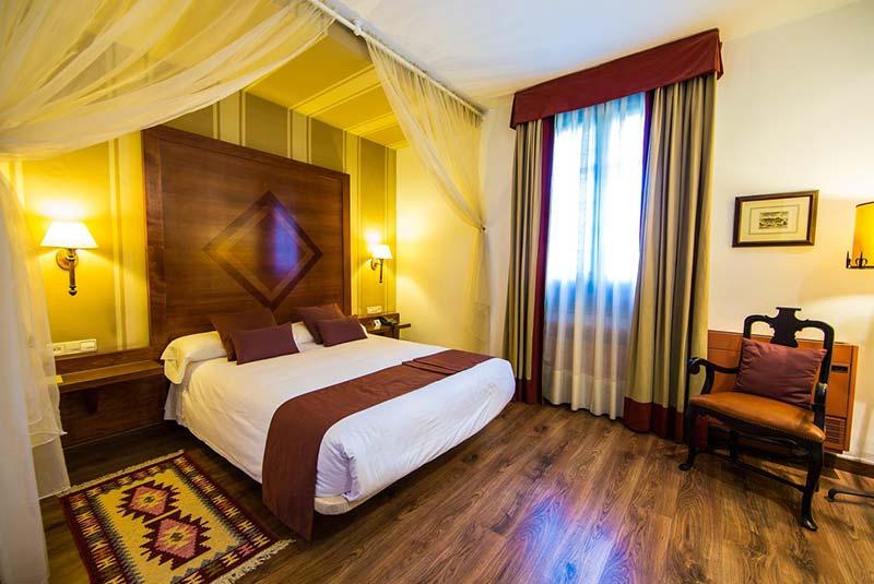 هتل آسیندا دل کاردنال - تولدو