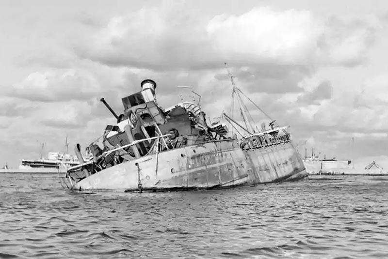کشتی های غرق شده در کانال سوئز