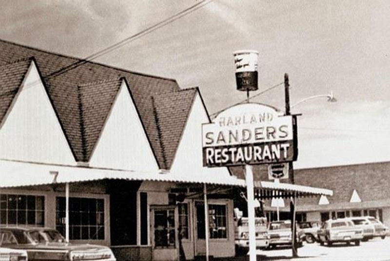 رستوران کلنل سندرز
