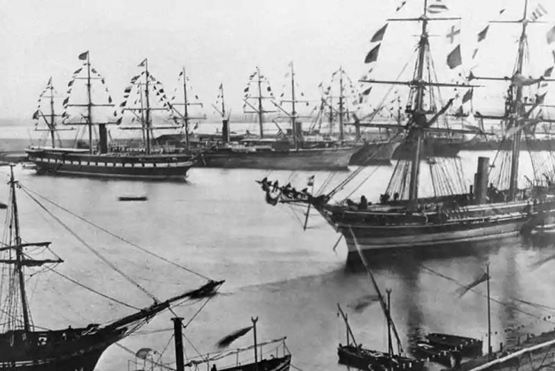کشتی ها در کانال سوئز
