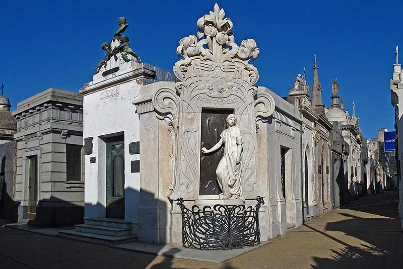 مقبره روفینا در قبرستان بوینس آیرس