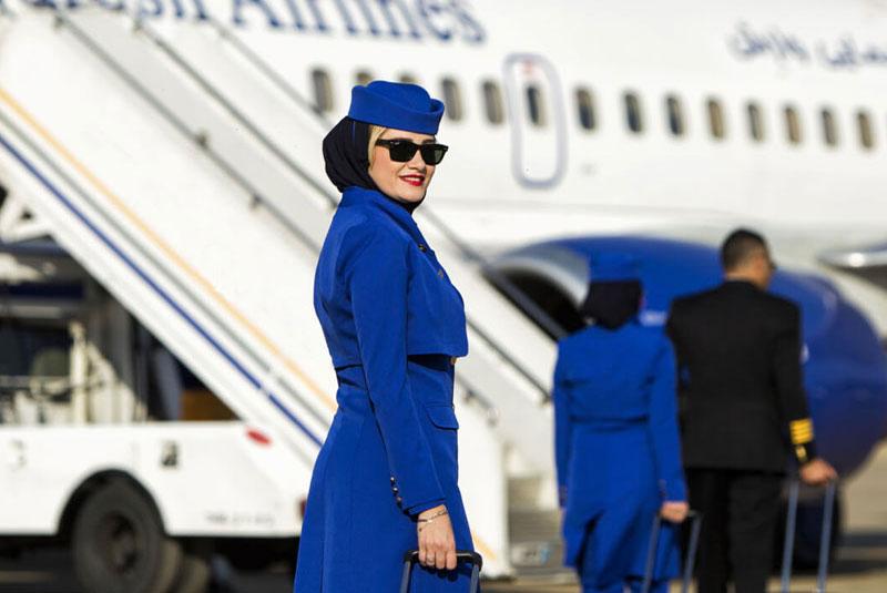 مهماندار شرکت هواپیمایی وارش