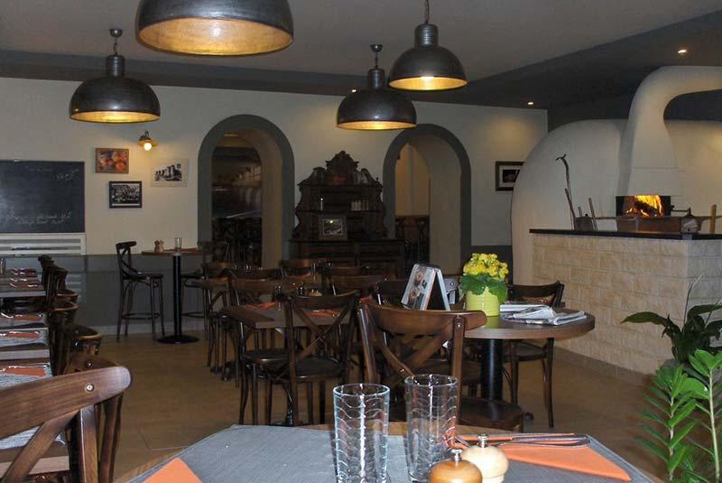 رستوران آتنتیک - آنژه
