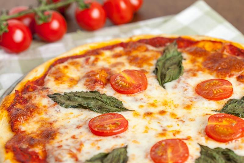 طرز تهیه پیتزا مارگریتا