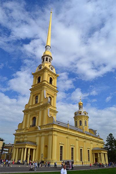 کلیسای پتر و پل در سن پترزبورگ