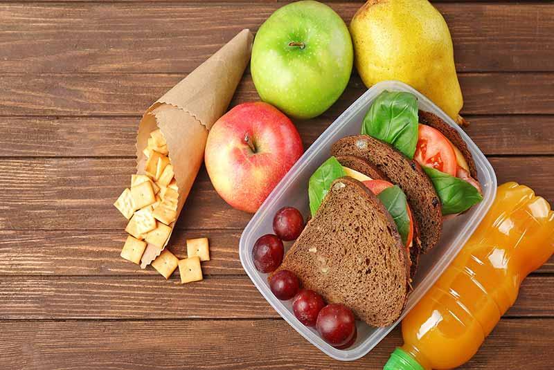 در هواپیما چه غذایی بخوریم؟
